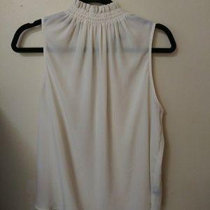 What Wear Wear Cream Sleeveless Shirt Size XL